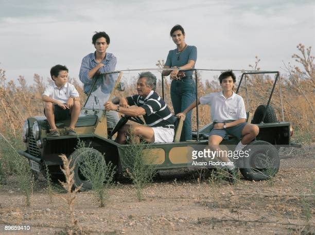 Palomo Linares with his wife Marina Danko and their children In an automobile in the countryside