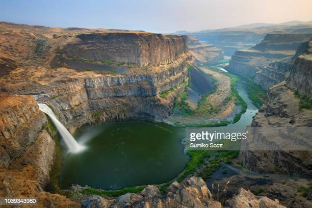 palouse falls state park at sunset, washington - east stock pictures, royalty-free photos & images