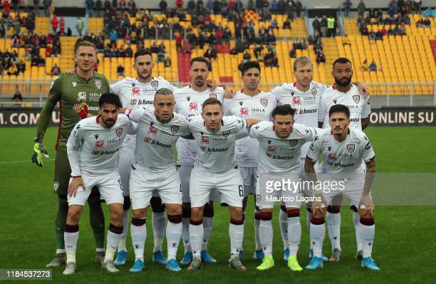 Palyers of Cagliari pose for photo during the Serie A match between US Lecce and Cagliari Calcio at Stadio Via del Mare on November 25 2019 in Lecce...