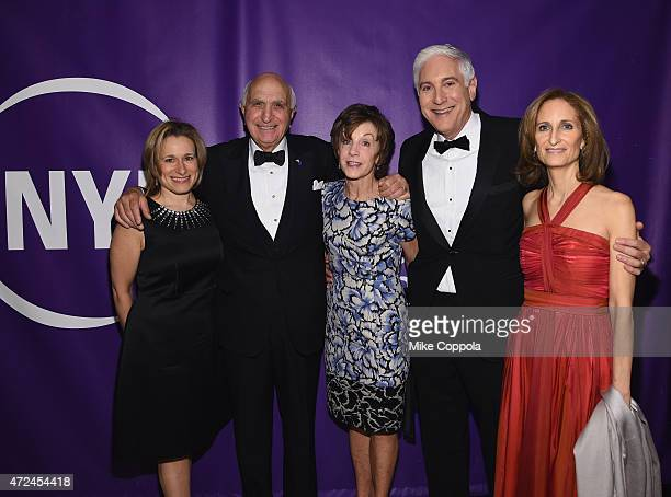 Pam Goldman Ken Langone Marianne Mebane Jonathan LaPook and Kate Lear attend the NYU Langone Medical Center's 2015 Violet Ball on May 7 2015 in New...