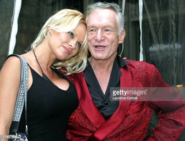 9 558 Hugh Hefner Photos And Premium High Res Pictures Getty Images