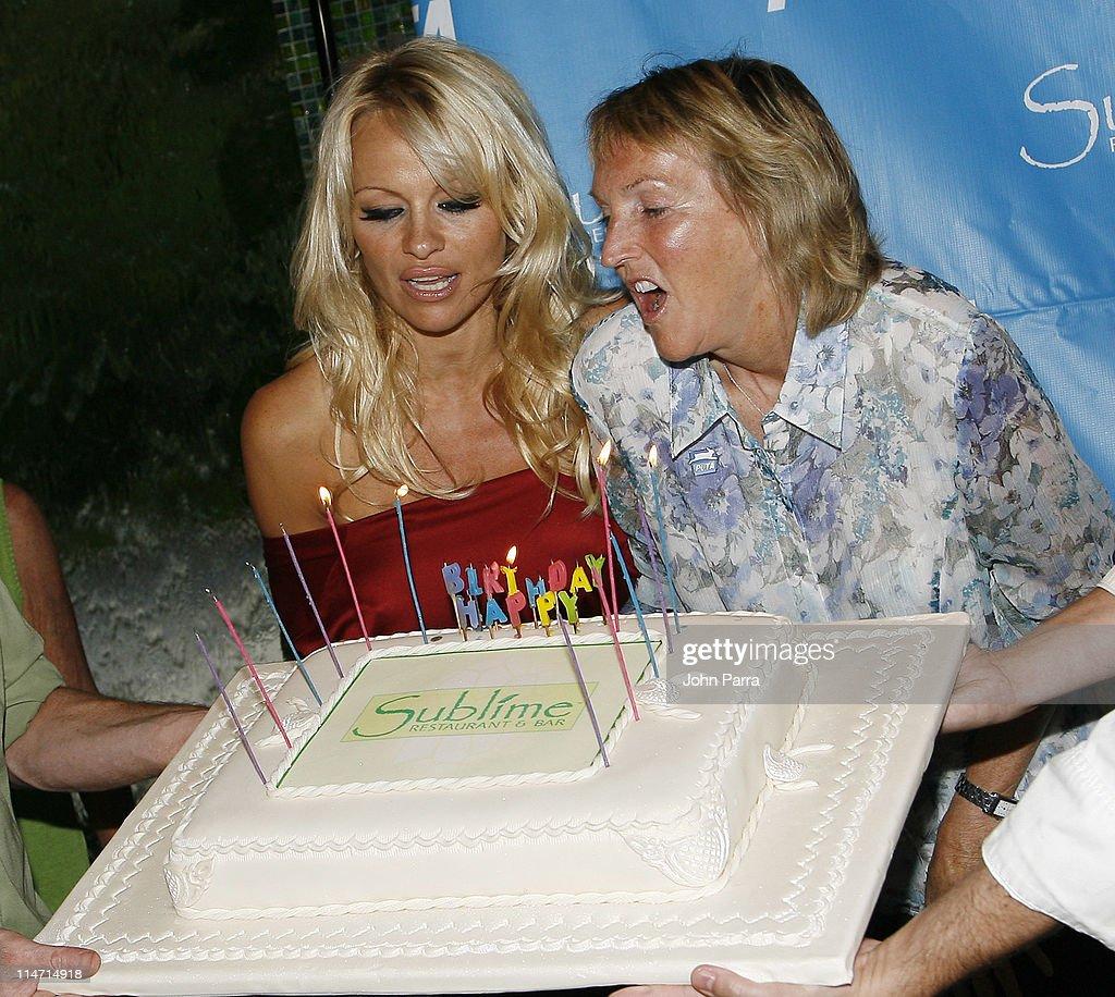 PETA Hosts Pamela Anderson's 40th Birthday Party - Arrivals : News Photo