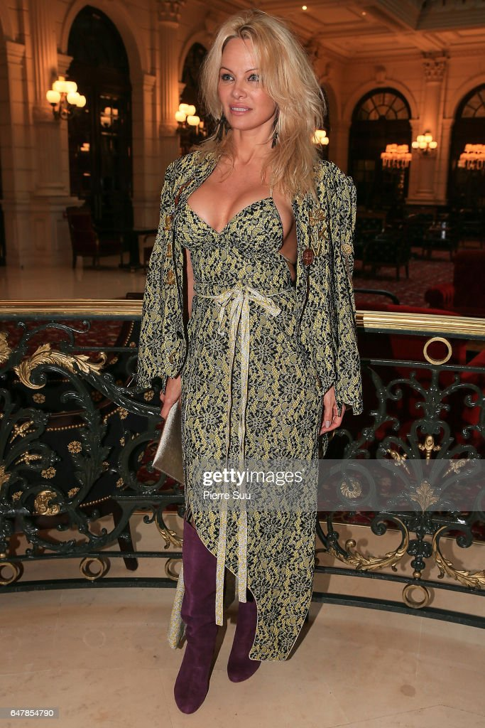 Pamela Anderson arrives at the Vivienne Westwood show as part of the Paris Fashion Week Womenswear Fall/Winter 2017/2018 on March 4, 2017 in Paris, France.