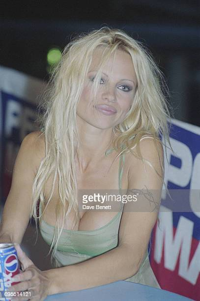 American actress Pamela Anderson attends a Pepsi Max party at the Wet 'n' Wild amusement park in Orlando Florida 1995