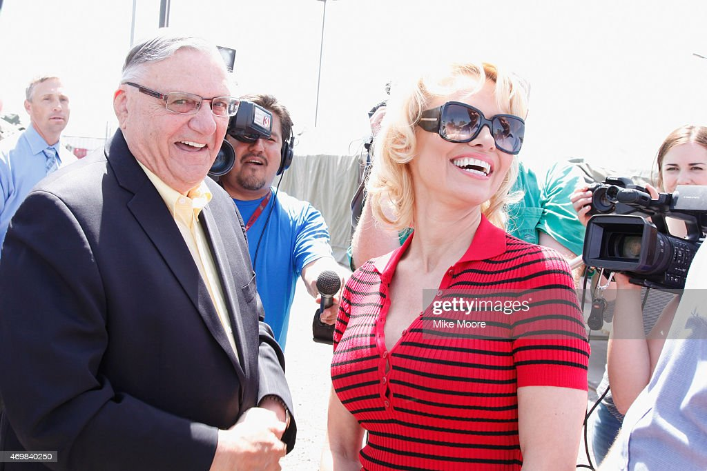 Pamela Anderson tours the Maricopa County Jail, Food