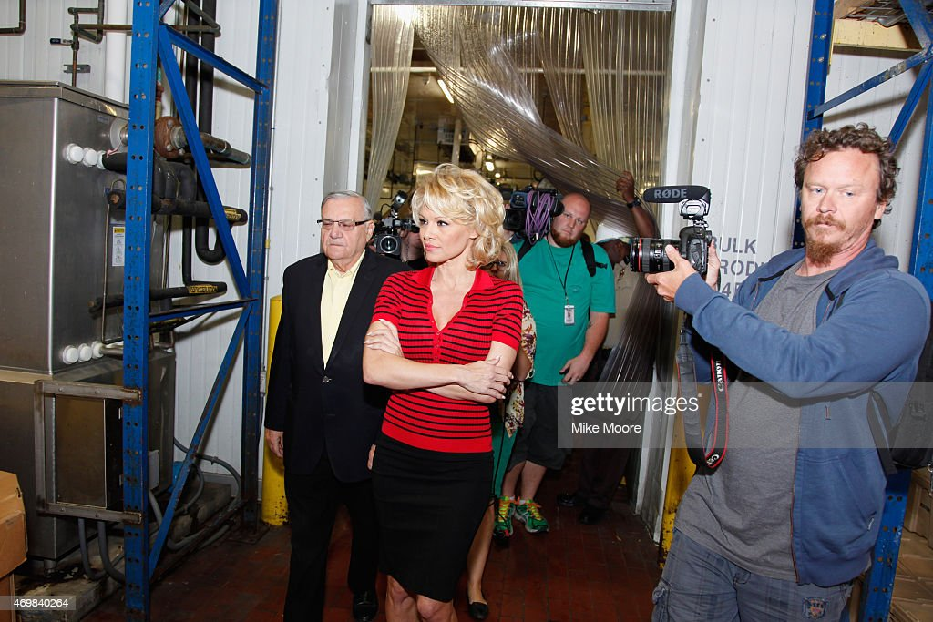 Pamela Anderson tours the Maricopa County Jail, Food Services