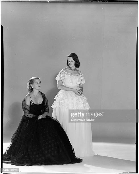 Pamela Curran Jeanne Murray and Mrs Alfred Gwynne Vanderbilt model evening wear for the fiftieth anniversary of the Gibson Ball in 1948