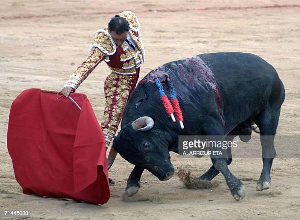Spanish matador Jose Liria Fernandez 'Pepn Liria' fights with the muleta a Victorino Martin fighting bull 14 July 2006 during the last corrida of the...
