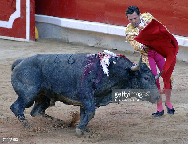 Spanish matador Luis Miguel Encabo fights with the muleta a Victorino Martin fighting bull 14 July 2006 during the last corrida of the San Fermin...