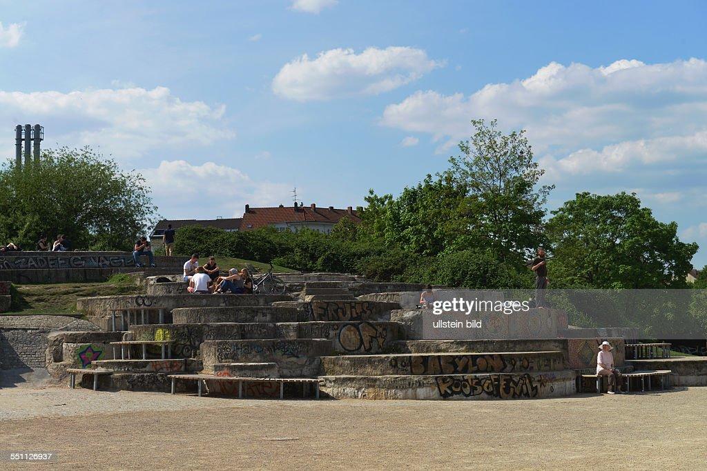 Pamukkale Brunnen, Goerlitzer Park, Berlin, Deutschland / Görlitzer