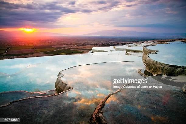 pamukkale pools - türkei stock-fotos und bilder