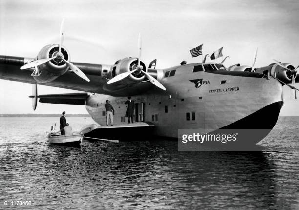 A Pan Americain Airways Yankee Clipper is seen after landing on the Biscarosse Lake in April 1939 The Boeing 314 Clipper was a longrange flying boat...