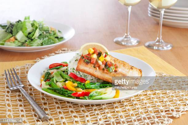 pan fried mahi stir fry - yellow bell pepper stock pictures, royalty-free photos & images