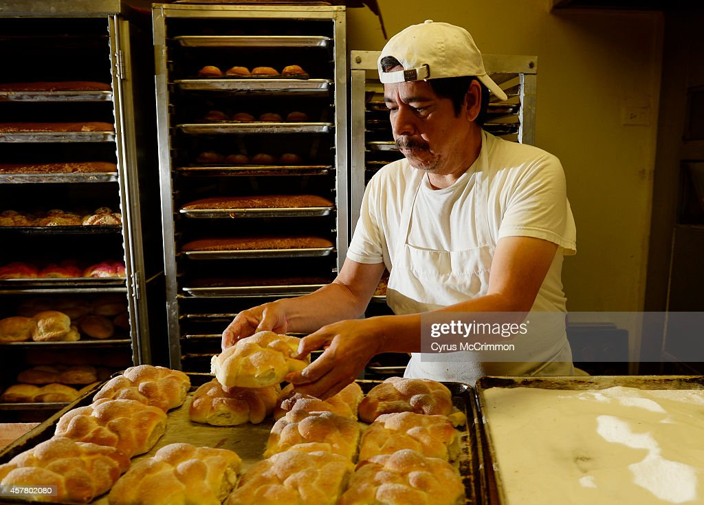 Pan de muerto bread for Day of the Dead. : News Photo