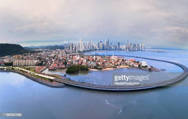 panama city panorama with old and new towns and old town bypass - pacific ocean stock pictures, royalty-free photos & images