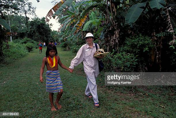 Panama Darien Jungle Choco Indian Village Tourist With Choco Indian Girl