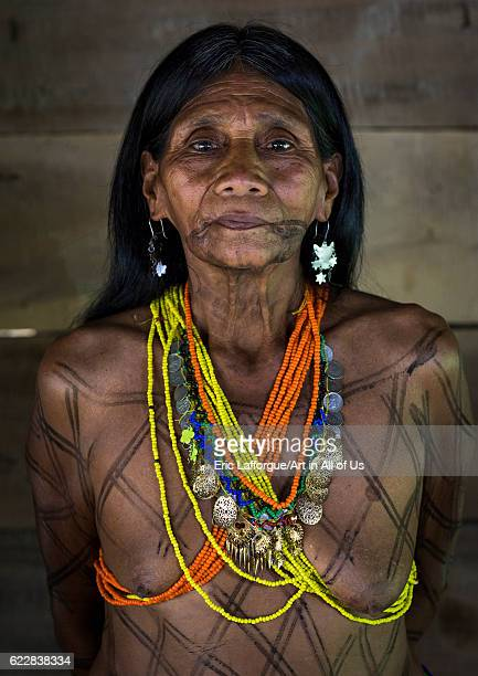 woman naked with native tribe