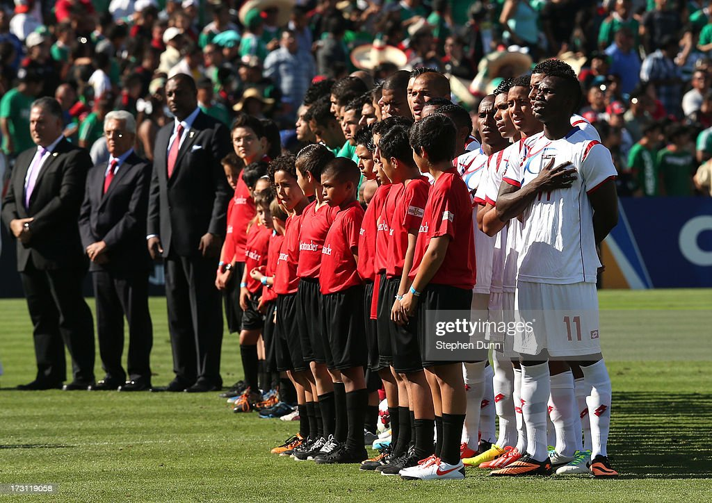 Panama stands during their national anthem in ceremonies before their match against Mexico during the first round of the 2013 CONCACAF Gold Cup at the Rose Bowl on July 7, 2013 in Pasadena, California. Panama won 2-1.