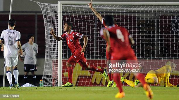 Panama's footballer Gabriel Torres celebrates a goal against US during their Brazil 2014 FIFA World Cup Concacaf qualifier match on October 15 at the...