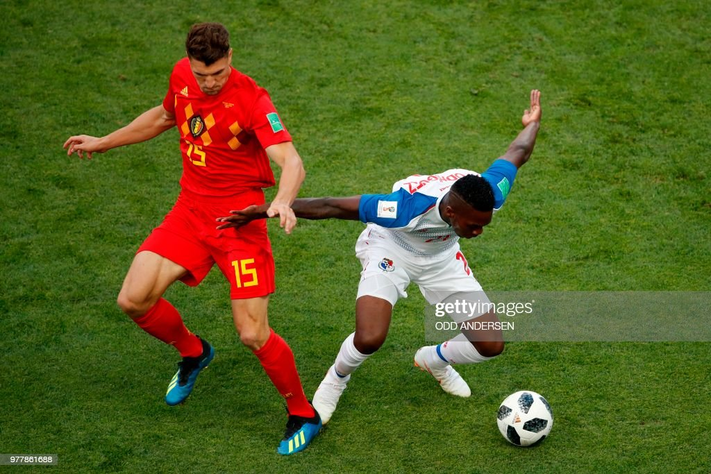 Panama's midfielder Jose Luis Rodriguez (R) is marked by Belgium's defender Thomas Meunier during the Russia 2018 World Cup Group G football match between Belgium and Panama at the Fisht Stadium in Sochi on June 18, 2018. (Photo by Odd ANDERSEN / AFP) / RESTRICTED