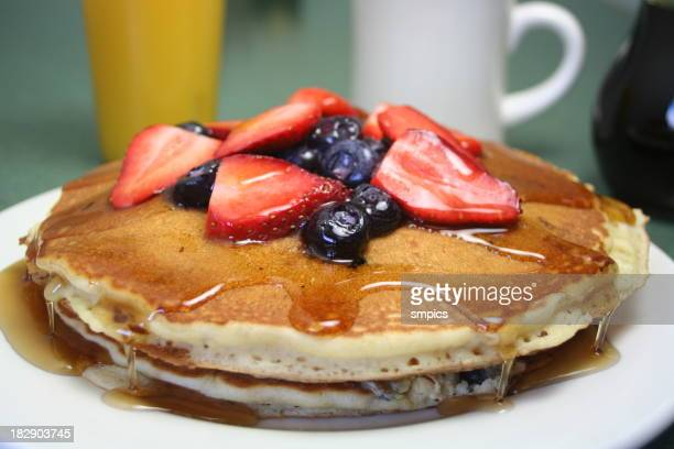 Pancakes Topped with Fruit