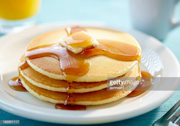 pancakes with butter and syrup - pancake stock pictures, royalty-free photos & images