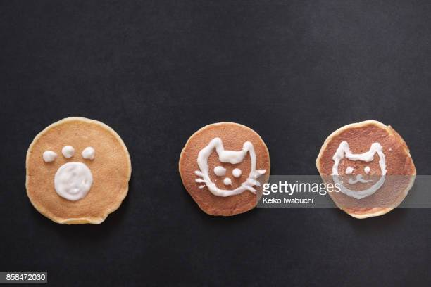 Pancakes with cat's illustration