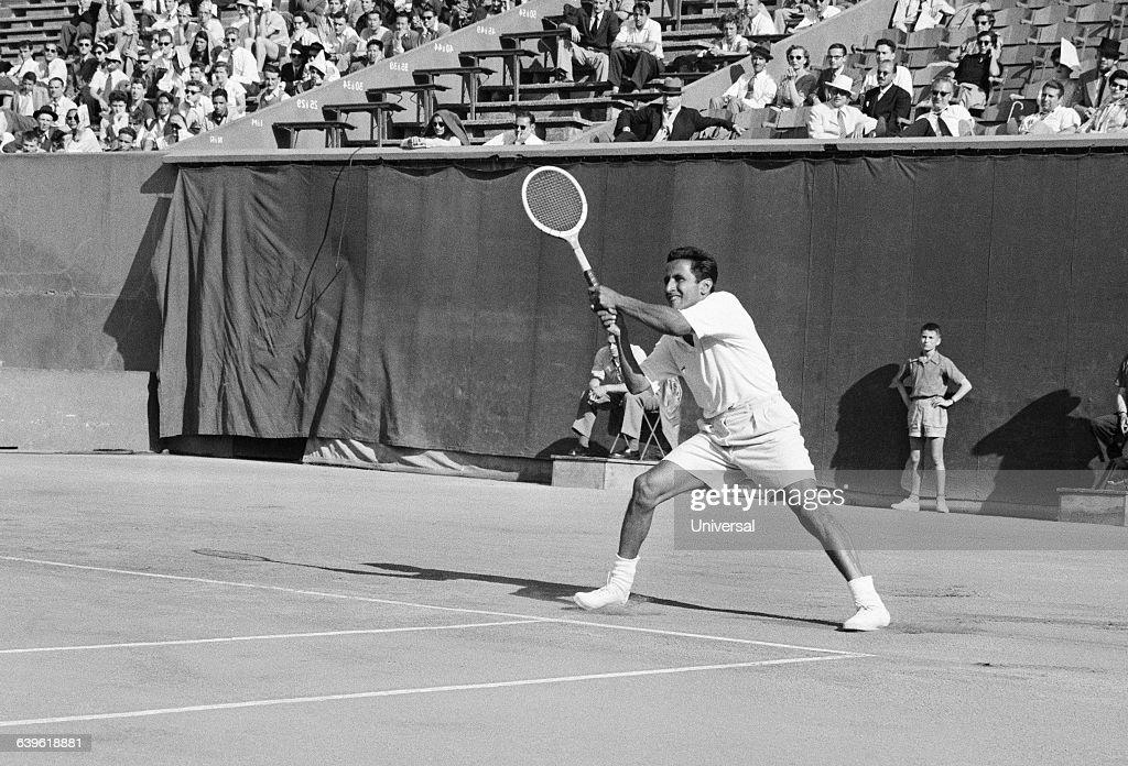 Tennis - Pancho Segura : News Photo