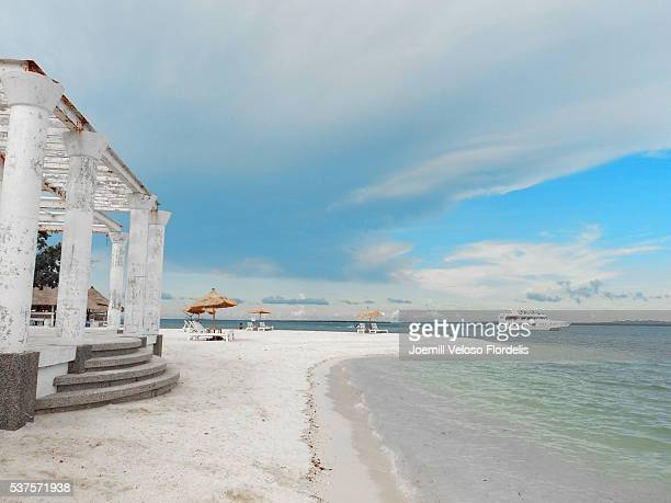 pandanon island (getafe, bohol, philippines) - joemill flordelis stock pictures, royalty-free photos & images
