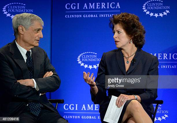 Panelists Robert Rubin left CoChairman Council of Foreign Relations former Secretary of the Treasury and Jacqueline Hinman President and CEO CH2M...