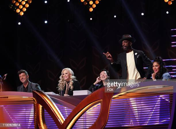 Panelists Robin Thicke Jenny McCarthy Ken Jeong guest panelist J B Smoove and panelist Nicole Scherzinger in the All Together Now episode of THE...