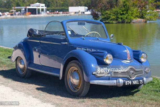 panhard dyna x convertible - oise stock pictures, royalty-free photos & images