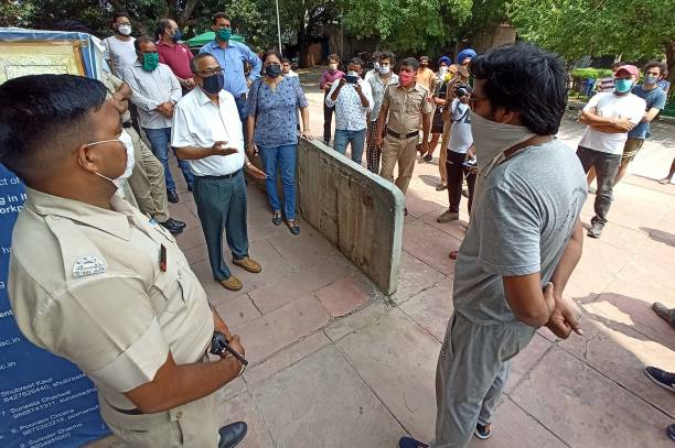 IND: Told To Vacate Rooms, PU Students Stage Protest