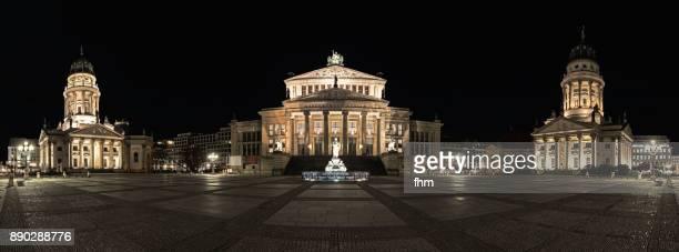 panorama berlin gendarmenmarkt at night (berlin, germany) - gendarmenmarkt - fotografias e filmes do acervo