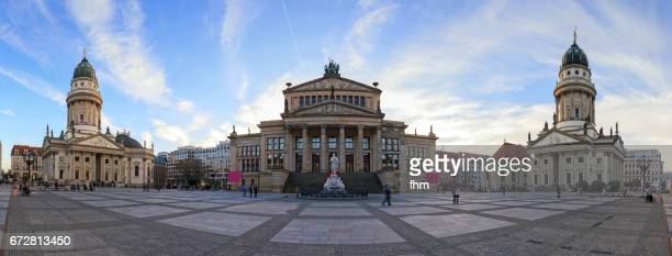 panorama berlin gendarmenmarkt (berlin, germany) - konzerthaus berlin - fotografias e filmes do acervo