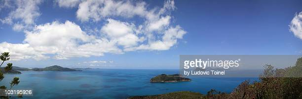 a panorama from hamilton island - ludovic toinel photos et images de collection