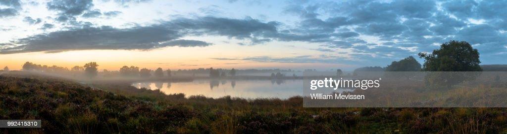 Panorama 'Misty Fen' : Stockfoto