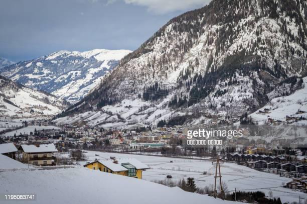 panorama of bad gastein ski resort austria - tal stock-fotos und bilder