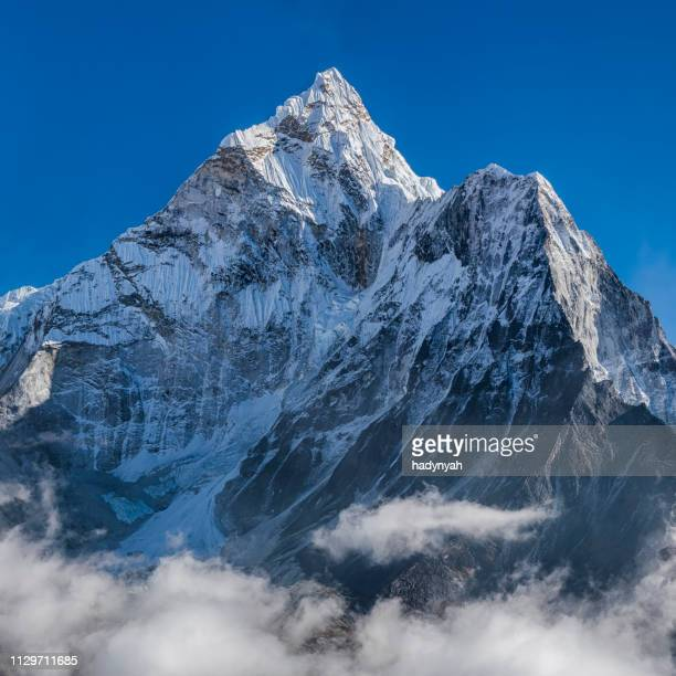 panorama of beautiful  mount ama dablam in  himalayas, nepal - summit stock pictures, royalty-free photos & images