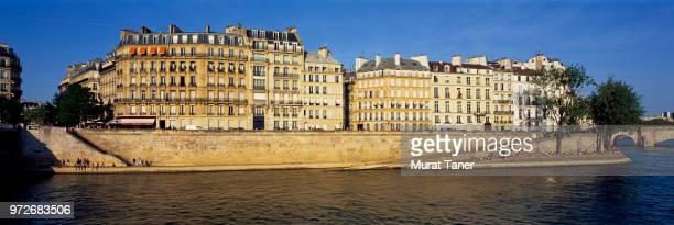 panorama of ile saint-louis neighborhood in paris - paris island stock photos and pictures