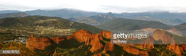 panorama of las medulas - medulla stock photos and pictures