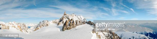 panorama of pointe helbronner, mont blanc, italy - sport invernale foto e immagini stock