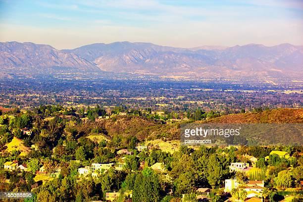 panorama di san fernando valley, los angeles, california - california meridionale foto e immagini stock