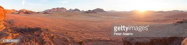 panorama of sunset, wadi rum desert, jordan - paisajes de jordania fotografías e imágenes de stock