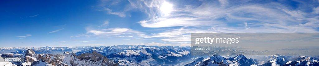 パノラマに広がるスイスアルプス(XXL : ストックフォト