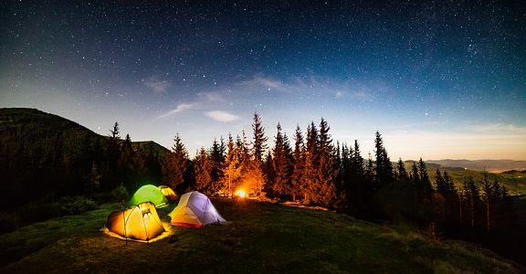 Panorama of the camp at night under the starry sky - gettyimageskorea