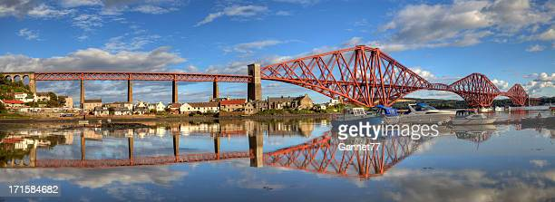 panorama of the forth railway bridge - fife scotland stock pictures, royalty-free photos & images