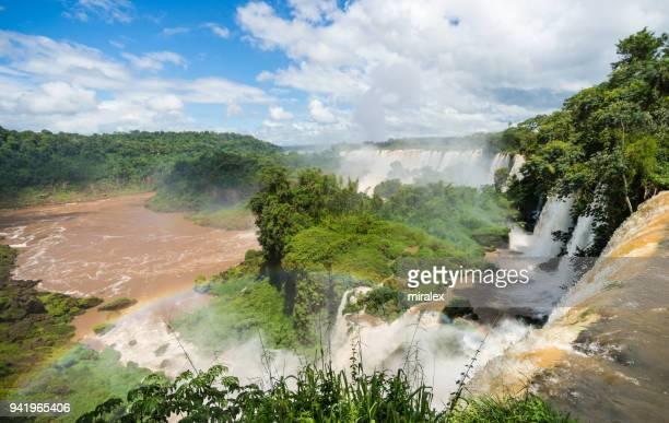 panorama das cataratas do iguaçú com arco-íris - geografia física - fotografias e filmes do acervo
