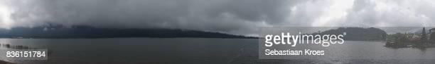 panorama on bratan lake and meru pagodas, bedugul, bali, indonesia - meru filme stock-fotos und bilder