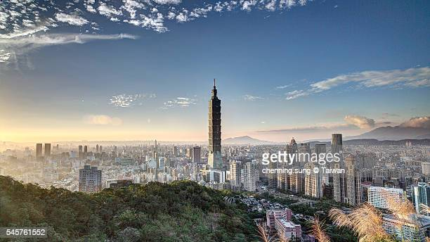 panorama sunset of taipei 101 - taipei stock pictures, royalty-free photos & images